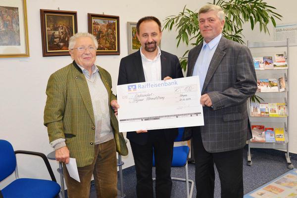 Ortsgruppe Torgau des Foxterrierverbandes übergab Spendenscheck